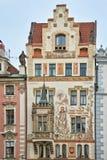 Storch hus (den Storchuv dumen), gammal stad av Prague Arkivbilder