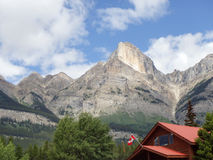 Store along Icefields Parkway in Canada. Mountain towering over store along Icefields Parkway in Canada royalty free stock images