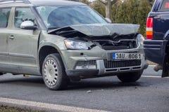 storen för krasch för bilbilsammanstötning har huvudvägen iced hastighet Fotografering för Bildbyråer