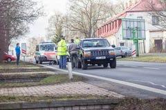storen för krasch för bilbilsammanstötning har huvudvägen iced hastighet Royaltyfri Bild