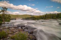 Storforsen, μεγαλύτερα ευρωπαϊκά ορμητικά σημεία ποταμού, Σουηδία στοκ εικόνες με δικαίωμα ελεύθερης χρήσης