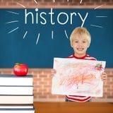 Storia contro la mela rossa sul mucchio dei libri in aula immagini stock