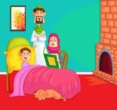 Storia di ora di andare a letto musulmana della lettura della famiglia Immagine Stock Libera da Diritti