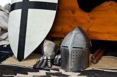 Storia medievale di torneo di battaglia del casco del cavaliere Fotografie Stock