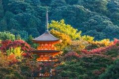 3-storied pagode bij Tempel Taisan -taisan-ji in Kyoto Stock Afbeeldingen