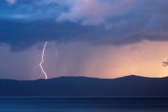 Storm över Yenisei River på Sibirien Fotografering för Bildbyråer