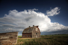 Storm clouds over Saskatchewan homestead Royalty Free Stock Photos