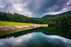 Storm clouds reflecting in Unicoi Lake, at Unicoi State Park, Ge. Orgia stock photography