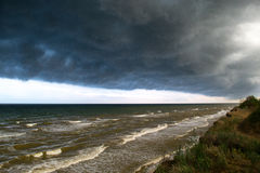 Storm front over water. Coming from coast Royalty Free Stock Photo