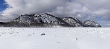 Free Storm King Mountain And The Frozen Hudson River Stock Photography - 101397392