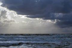 Storm på Östersjön arkivfoton