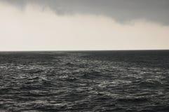 Storm på det Java havet Indonesien tungt regn Arkivbilder