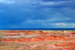 Storm som att närma sig den målade öknen, förstenad nationalpark, AZ royaltyfri fotografi