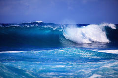 Storm surf surges against Oahu shore Royalty Free Stock Images