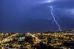 Storma i staden Ribeirao Preto, Sao Paulo - Brasilien - bulten Arkivbild