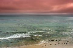 Stormachtig oceaanpanorama Stock Foto's