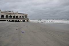 Stormachtig strand Royalty-vrije Stock Afbeeldingen