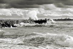 Stormachtig weer dichtbij overzees Stock Afbeelding