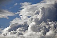 Stormachtig wolkenweer stock foto