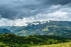 Stormachtige bergen Royalty-vrije Stock Foto