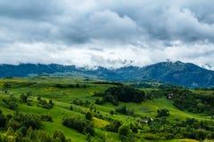 Stormachtige bergen Royalty-vrije Stock Fotografie