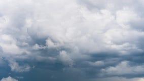 Stormachtige donkere wolken stock video