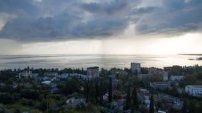 Stormachtige hemel over het overzees Stock Foto