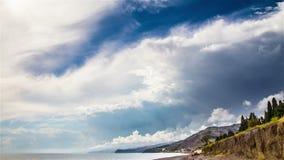 Stormachtige hemel over overzeese tijdtijdspanne stock footage