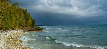 Stormachtige hemelen Deurprovincie, Wisconsin Stock Afbeelding