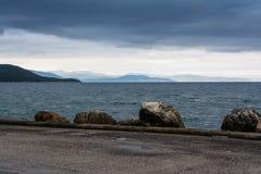 Stormachtige Kust - de Zwarte Zee Royalty-vrije Stock Afbeeldingen