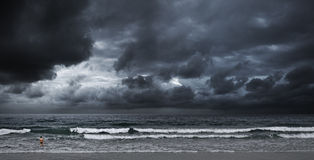 Stormachtige oceaan Stock Foto's