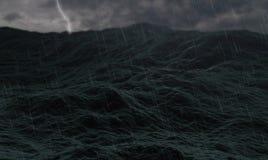 Stormachtige oceaan, golven op ruwe overzees of stormachtig oceaanwater, met donder en bliksem en bewolkt Stock Fotografie