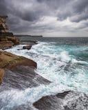 Stormachtige Oceaan met onrustoverzees en golven Stock Foto