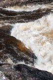 Stormachtige stroom van een rivier royalty-vrije stock foto