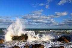 Stormachtige tropische overzees Stock Afbeeldingen