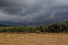 Stormachtige wolken Stock Afbeeldingen