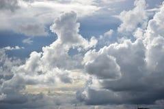 Stormachtige wolken in de hemel Royalty-vrije Stock Afbeelding