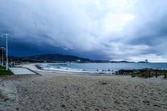Stormachtige Zonsondergang in Samil - Vigo stock afbeelding