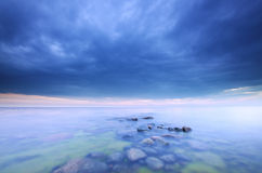 Stormclouds die, oceaanfoto naderbij komt Stock Fotografie