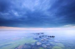 Stormclouds que se acerca, foto del océano Fotografía de archivo