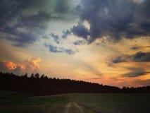 Stormen är kommande med solnedgången /4 fotografering för bildbyråer