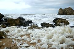 Stormen på havet av Azov Arkivfoto
