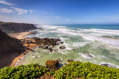 Stormig atlantisk kust nära Rabat-Sale, Marocko Royaltyfria Bilder
