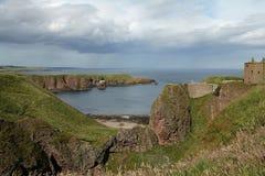 Stormig Dunnottar slott Skottland Royaltyfria Bilder