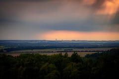Stormig himmel över Leipzig Arkivfoto