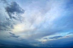 stormig sky arkivfoton