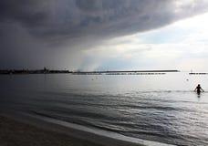 Stormig strand nära Alghero, Sardinia Arkivfoto