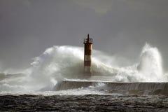 Stormiga havsvågor Fotografering för Bildbyråer