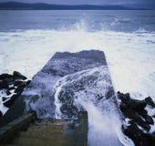 Stormiga havsvågor Arkivbild