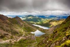 Stormiga himlar över Snowdonia Arkivfoto
